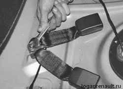 Как снять задние ремни безопасности | Ремонт Рено Логан
