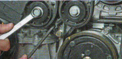 Замена ремня генератора Рено Логан 1.6 и 1.4: натяжные ролики, снятие с кондиционером